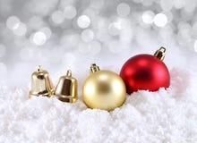 De decoratie van Kerstmis op abstracte achtergrond Stock Afbeeldingen