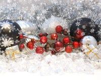De decoratie van Kerstmis op blauw Stock Foto's