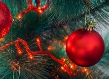 De decoratie van Kerstmis op de Kerstboom Royalty-vrije Stock Foto's