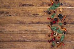 De decoratie van Kerstmis op houten achtergrond royalty-vrije stock foto