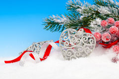De decoratie van Kerstmis over sneeuw Stock Foto