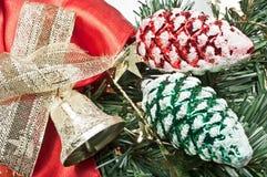 De decoratie van Kerstmis in rood en groen Stock Afbeelding