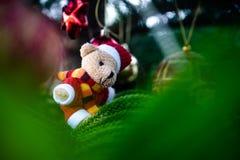 De decoratie van Kerstmis Vrolijke Kerstmis en Gelukkig Nieuwjaar stock foto
