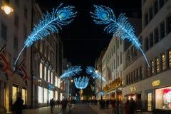De decoratie van de Kerstmisstraat op Nieuwe Bandstraat in Londen het UK Royalty-vrije Stock Afbeeldingen