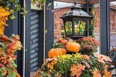 De decoratieachtergrond van de de herfststraat Het oogsten Concept stock fotografie
