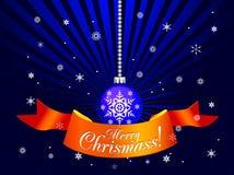 De decoratieve bal van Kerstmis met lint Royalty-vrije Stock Foto's