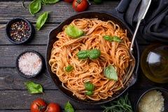 De deegwaren van de spaghetti met tomatensaus Royalty-vrije Stock Afbeeldingen