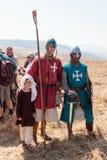De deelnemers in de wederopbouw van Hoornen van Hattin vechten in 1187 het stellen voor fotografen na de slag dichtbij Tiberias,  Stock Foto