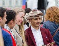 De deelnemers van de de Nationaliteitenbal van Heilige Petersurg stock afbeeldingen