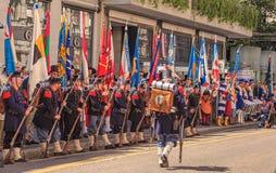 De deelnemers van de Zwitserse Nationale Dag paraderen in Zürich Royalty-vrije Stock Fotografie