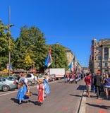 De deelnemers van de Zwitserse Nationale Dag paraderen in Zürich, Switzer Royalty-vrije Stock Afbeelding
