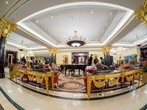 De deelnemers van Huawei-vennootschapconferentie komen in Ritz Carlton-hotel samen Royalty-vrije Stock Foto
