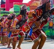 De deelnemers van Kadayawan-festival presteert Royalty-vrije Stock Fotografie