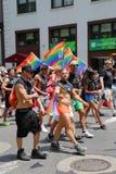 De deelnemers van LGBT Pride Parade in de Stad van New York Stock Foto