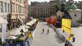 De deelnemers van 72ste Tour DE Pologne het cirkelen 7de stadium rennen stock videobeelden