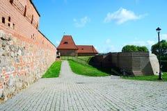 De defensiemuur van de Vilnius oude stad op 8 Mei, 2015 Stock Foto's