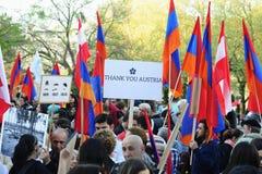 De demonstratie van de de volkerenmoordverjaardag van Armenië in Wenen Stock Foto