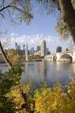 De derde Brug van de Weg in Minneapolis Van de binnenstad royalty-vrije stock fotografie
