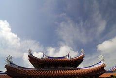 De details van het dak van een Chinese Tempel Royalty-vrije Stock Afbeeldingen