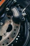 De details van het motorfietswiel met rem en wiel spraken Stock Afbeeldingen