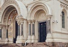 De detailsgeschiedenis van de Kronstadtarchitectuur de godsdienst van de de bouwkerk Stock Afbeeldingen