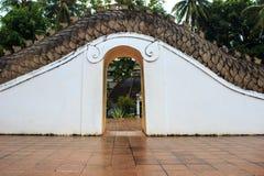 De deur aan de kunst van gipspleisterserpent Royalty-vrije Stock Foto's