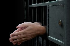 De Deur en de Handen van de gevangeniscel Royalty-vrije Stock Afbeelding