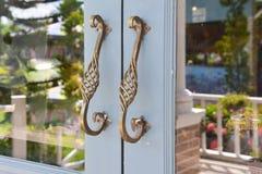 De deur uitstekende stijl van het staalhandvat stock foto's