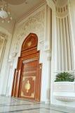 De deur van de ingang Stock Afbeeldingen