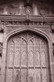 De Deur van de kathedraalkerk, Chester; Engeland stock afbeeldingen