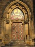 De deur van de kerk. Stock Foto