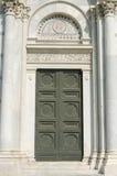 De deur van de kerk van Doopkapel St John, Pisa Royalty-vrije Stock Foto