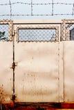 De deur van de weerhaakdraad Stock Afbeelding