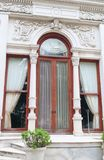 De deur van Dolmabahche in Istambul, royalty-vrije stock foto's