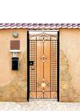 De deur van het plattelandshuisje Stock Afbeelding