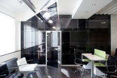 De deuren van het glas in het nieuwe bureau Royalty-vrije Stock Afbeelding