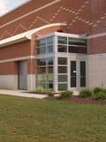 De deuren van het glas voor een modern gebouw Stock Foto's