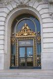 De deuren van het stadhuis royalty-vrije stock afbeelding