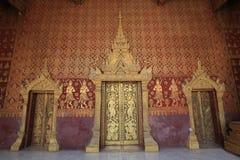 De Deuren van Tempel, Luang Prabang, Laos Stock Foto's