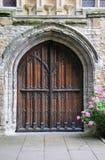 De deuropening van de kerk Stock Foto's