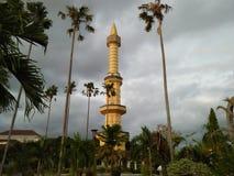 De deze lange bouw wordt genoemd een moskee stock afbeelding