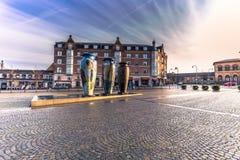 4 de dezembro de 2016: Estátuas dos vasos em Roskilde, Dinamarca Imagens de Stock
