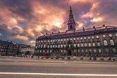 5 de dezembro de 2016: Fachada do palácio de Christianborg em Copenhaga, Fotos de Stock Royalty Free