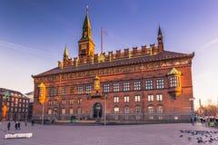 2 de dezembro de 2016: Panorama da câmara municipal de Copenhaga, Denm Imagens de Stock
