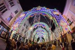 24 de dezembro de 2014 SIBIU, ROMÊNIA Luzes de Natal, Natal justo, humor e passeio dos povos Fotos de Stock Royalty Free