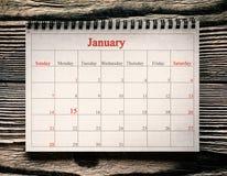 25 de dezembro no calendário no fundo de madeira foto de stock