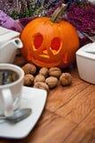 De Dia das Bruxas do café vida ainda Fotografia de Stock