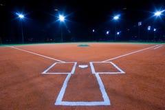 De diamant van het honkbal bij nacht Stock Foto