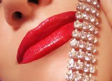 De diamanten en polijsten Royalty-vrije Stock Foto's