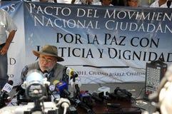 De dichter en de activist Javier Sicilia in pers conferen Stock Afbeelding